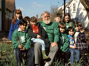 BTCV Vice President Professor David Bellamy visits Wallingford Head Office in 1996
